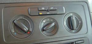 Schalterstellung Heizung für beschlagene Scheiben im Auto