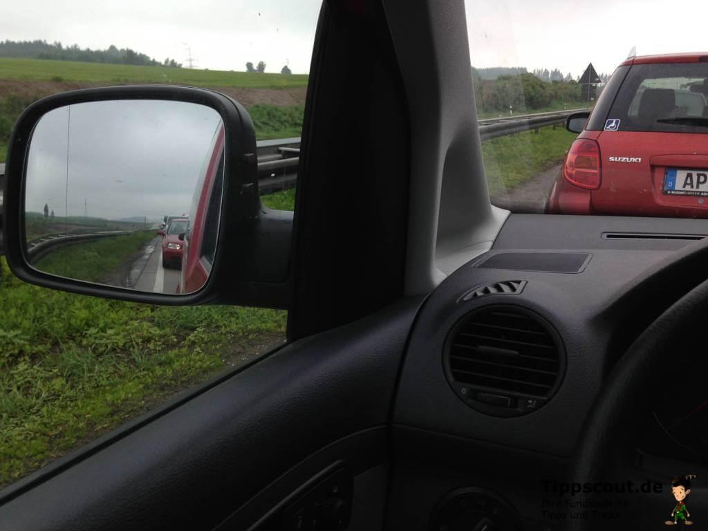 Blick aus dem Auto - Defensiv fahren
