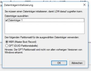 Sofern die Festplatte nicht vorformatiert ist, müssen Sie sie initialisieren.