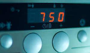 Watt-Anzeige einer Mikrowelle - (Foto: Martin Goldmann)