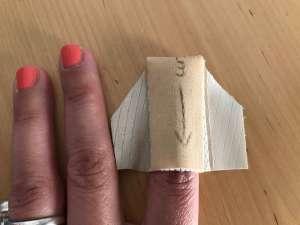 fingerkuppenverband zuschneiden schritt 5