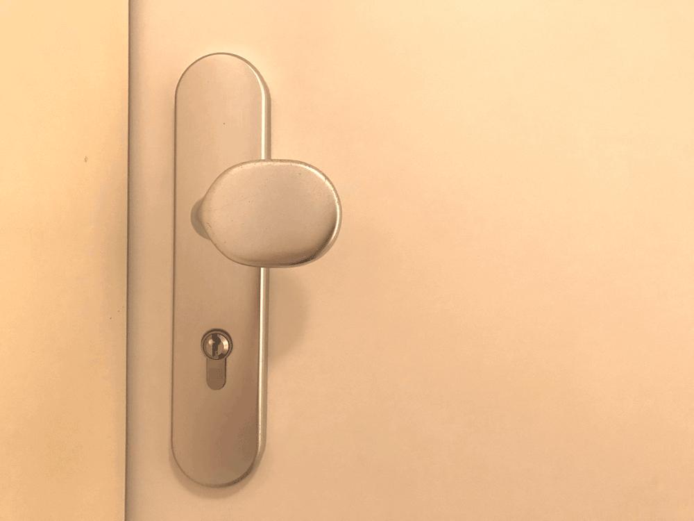 Geliebte Türschloss ölen – so machen Sie es richtig | Tippscout.de @QU_13