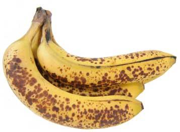 Reife Bananen mit braunen Flecken an der Schale