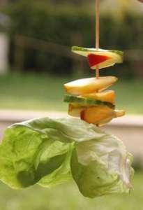 Obst und Gemüse an einem Schaschlickspieß