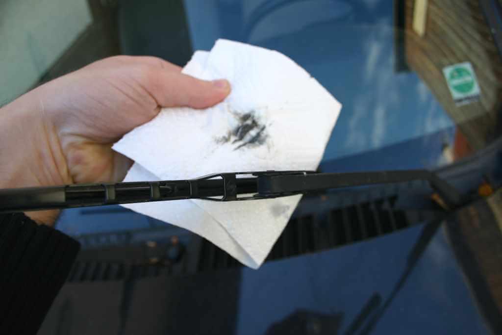 Auto Wischerblätter reinigen