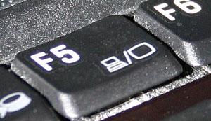 Laptop Monitor umschalten - (Foto: Markus Schraudolph)