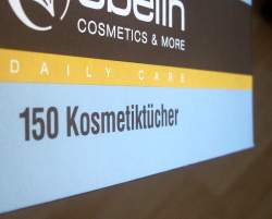Kosmetiktuchbox mit 150 Tüchern Inhalt - (Foto: Markus Schraudolph)