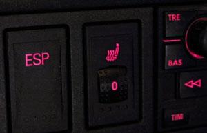 ESP-Schalter in VW - (Foto: Martin Goldmann)