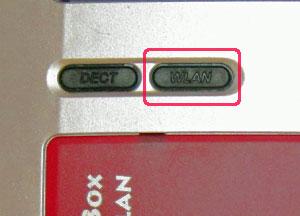 WLAN-Schalter an Fritzbox - (Foto: Martin Goldmann)