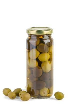 Eingelegte Oliven - (Foto: iStockphoto/digitalr)