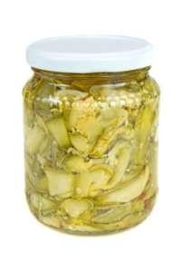 Eingelegte Zucchini im Glas - (Foto: iStockphoto/Sebalos)