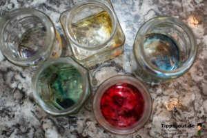 Angelöste Eierfarben - (Foto: Martin Goldmann)