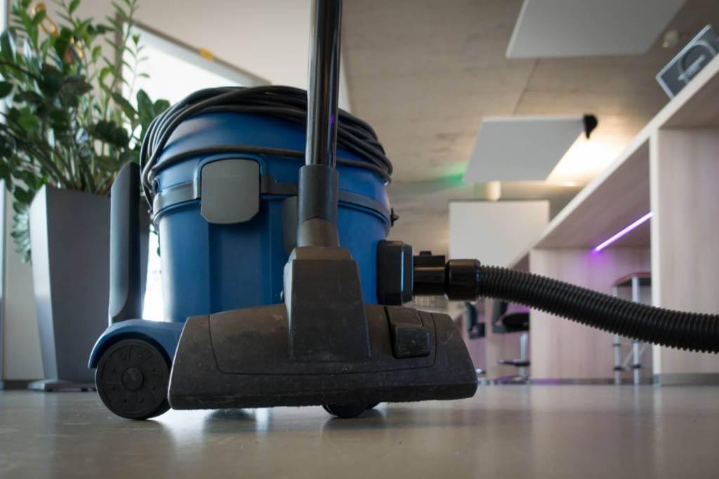 Staubsauger stinkt - was tun? | Tippscout.de