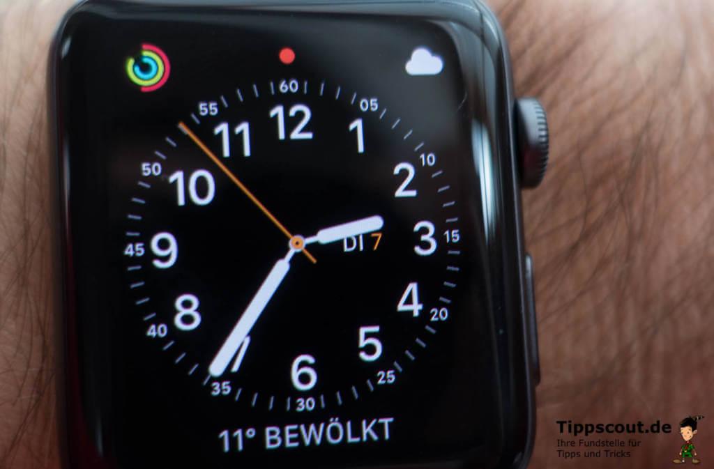Roter Punkt zeigt neue Nachricht auf Apple Watch an